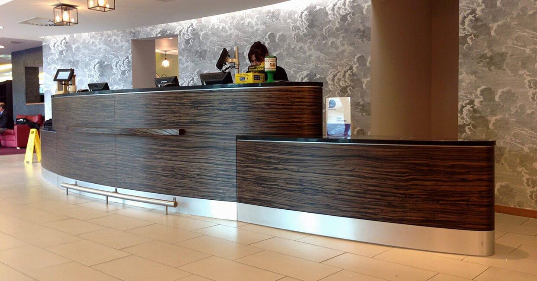 Recouvrement DI-NOC pour la réception d'un hôtel