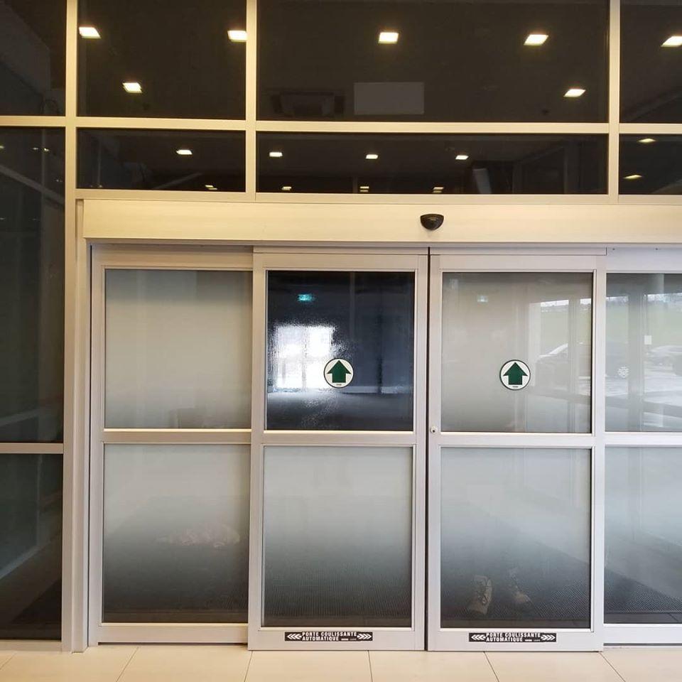 Installation en cours: pellicule d'architectre double gradient
